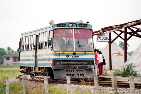 Cuba CU98_066-cuban-railway